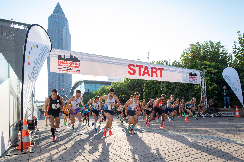 Startaufstellung Frankfurt Halbmarathon Invitational