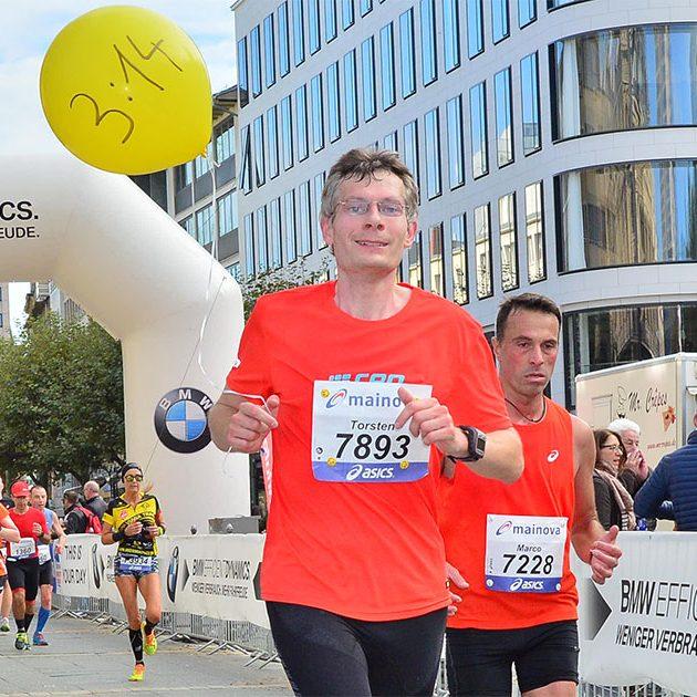 Mainova Frankfurt Marathon_Pacemaker_ThorstenFreeseFacebook2_ 6825